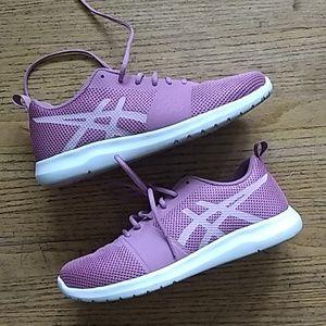 Asics walking shoes Size 8